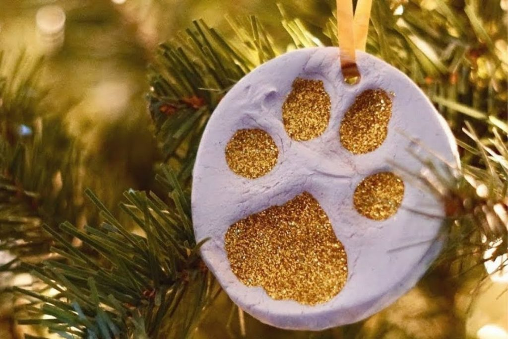 9 Ways to Include Your Pet in Holiday Traditions